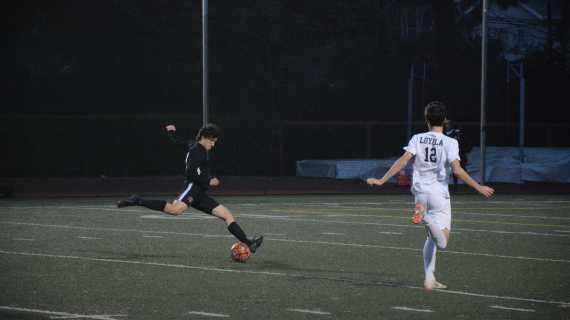 Boys' soccer falls to Loyola