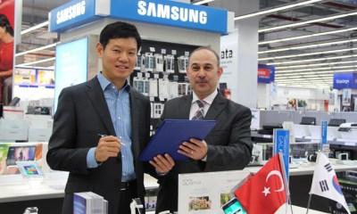 Samsung Electronics Turkiye Baskani Yoonie Joung Bimeks Genel Muduru Arif Bayraktar