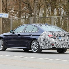 2021-bmw-5-series-sedan-touring-10