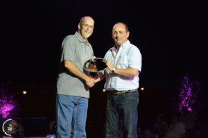 Jerry Moye Cobb President presents Top Award to Richard Keeley Hybrid MD