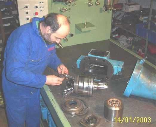 reparation_pompe_hydraulique.JPG