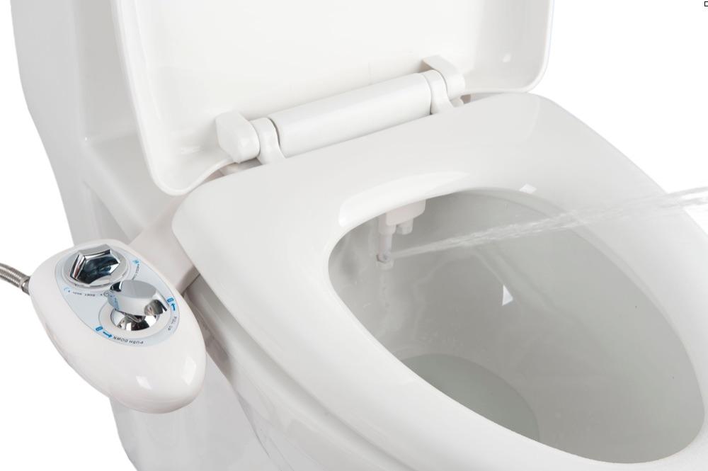 Le Kit Abattant Toilette Japonaise Intgre Une Douchette