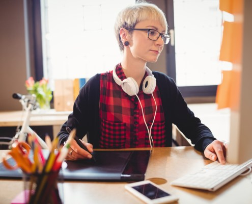 8 Things to Consider Before Hiring a Graphic Designer in Philadelphia, New Jersey and Delaware