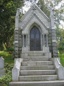 The Watkins Mausoleum, Woodlawn Cemetery, Winona, Minnesota (photo by Ealasaid Haas)