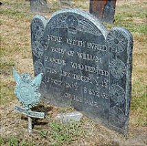 HERE LYETH BVRIED Ye BODY OF WILLIAM PABODIE WHO DEPARTED THIS LIFE DECEMBR Ye 13TH 1707 IN Ye 88 YEARE OF HIS AGE