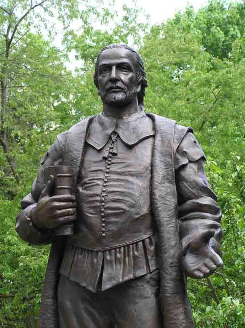 Henry Whitfield Statue in the gardens of his home in Guilford, Connecticut (photo credit: Henry Whitfield State Museum)