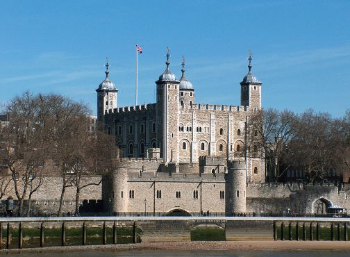 """The Tower of London, seen from the River Thames, with a view of the water-gate called """"Traitors' Gate"""" (2006)"""