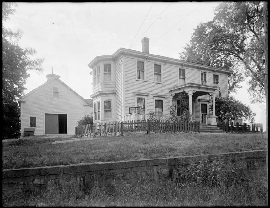 Deborah Sampson Gannett House, East Street, Sharon, Massachusetts - photo credit: Boston Public Library, Leon H., 1884-1967 (photographer)