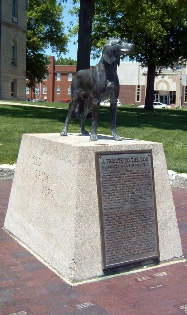 """""""Old Drum"""" Statue in front of the Johnson County Courthouse, Warrensburg, Missouri"""