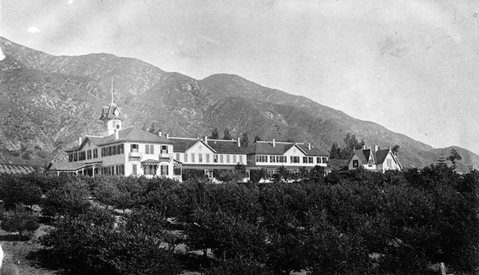 The Sierra Madre Villa Hotel, Pasadena, California (1884)