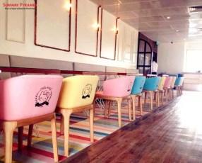 Sunway Pyramid Hello Kitty Cafe 2 Chairs