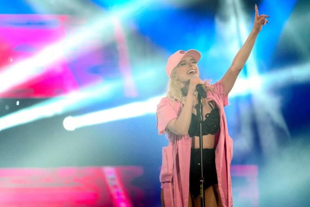 Bebe Rexha performs at MTV Music Evolution Manila 2016 on 24 Jun Pic 6 (Credit-MTV Asia & Kristian Dowling)