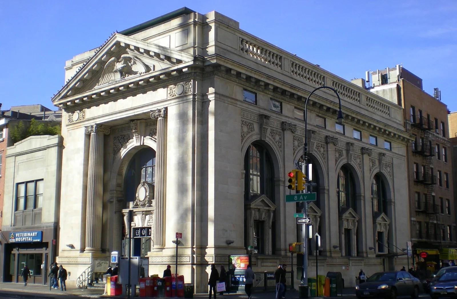Travel 8 Real Life Landmarks In New York That Inspired
