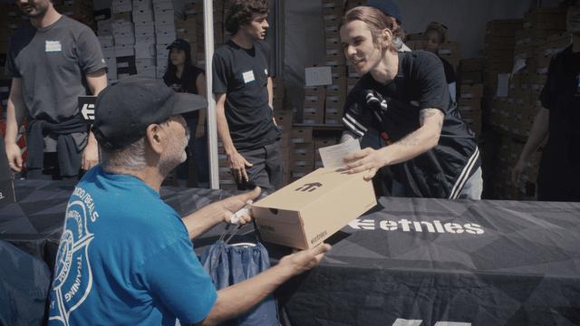 ETNIES GIVES BACK 2018 -- Easter LA Mission Shoe Giveaway