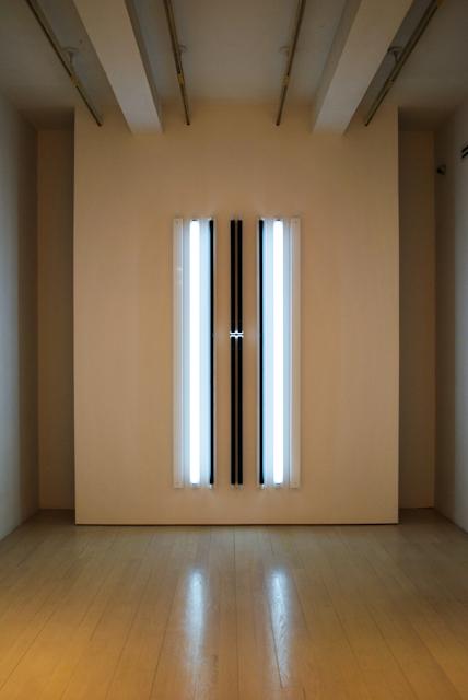 light sculpture by Robert Irwin