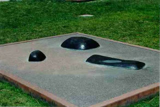 Isamu Noguchi, Garden Element (1962) (Image via edwardlifson.blogspot.com)