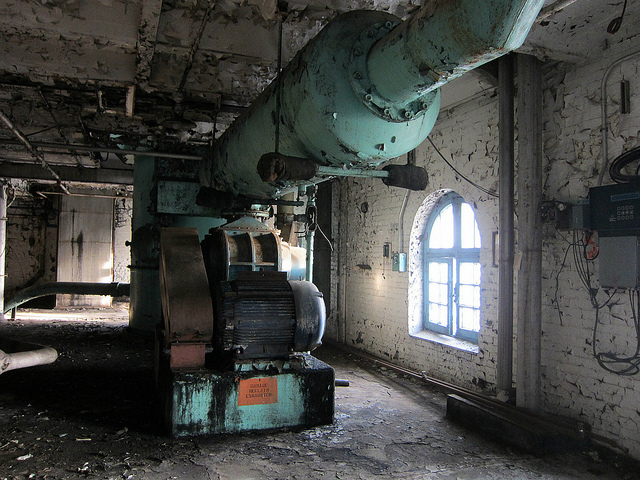 Old machinery in the Domino Sugar Factory