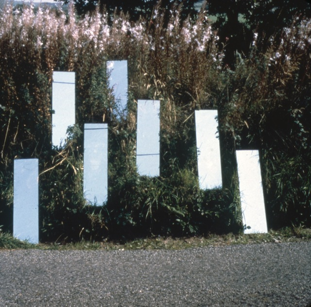 Robert Smithson, Mirror Displacement (Grassy Slope), England, 1969. ©Estate of Robert Smithson / licensed by DACS, London 2013. Image courtesy James Cohan Gallery, New York/Shanghai.