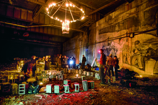 Setting up for a secret dinner in the Freedom Tunnel, Manhattan, 2007