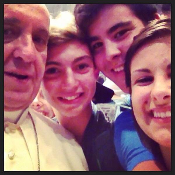 Pope group selfie via Twitter