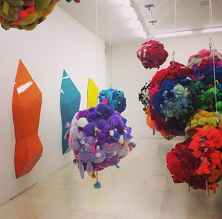 """Mike Kelley, """"Deodorized Central Mass with Satellites"""" (1991/99) (photo by the author for Hyperallergic)"""