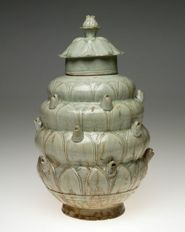 Chinese, Yue-ware Covered Jar, late 10th-11th  century. (Images courtesy of the RISD Museum,  Providence, RI.)