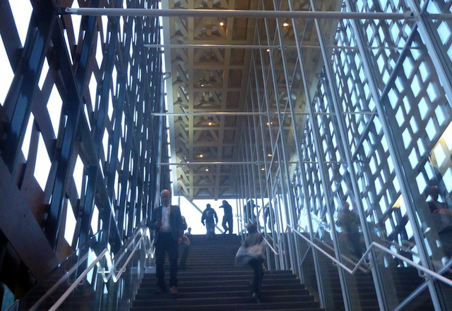 The stairway ascent serves as the primary entrance into the Aspen Art Museum, and it makes the latticework even more pronounced.
