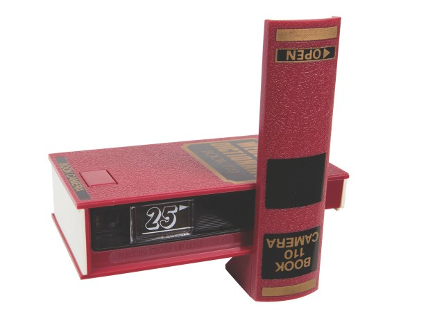 Webster 's Dictionary Book Camera Manufactured in China for Shutter Chance. Year: 1970s. Film: 110.