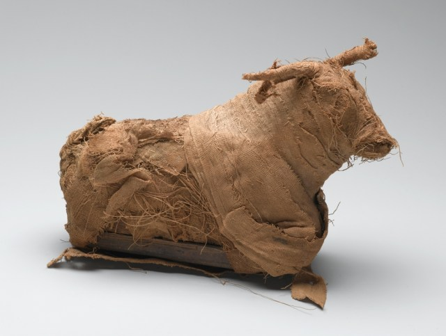 Model of a Bull. From Egypt. Third Intermediate Period, circa 1075-656 B.C.E. or Late Period, circa 664-332 B.C.E. Reeds, cloth, 5 11/16 x 2 7/8 x 9 7/16 in. (14.5 x 7.3 x 24 cm). Brooklyn Museum; Charles Edwin Wilbour Fund, 37.1381E