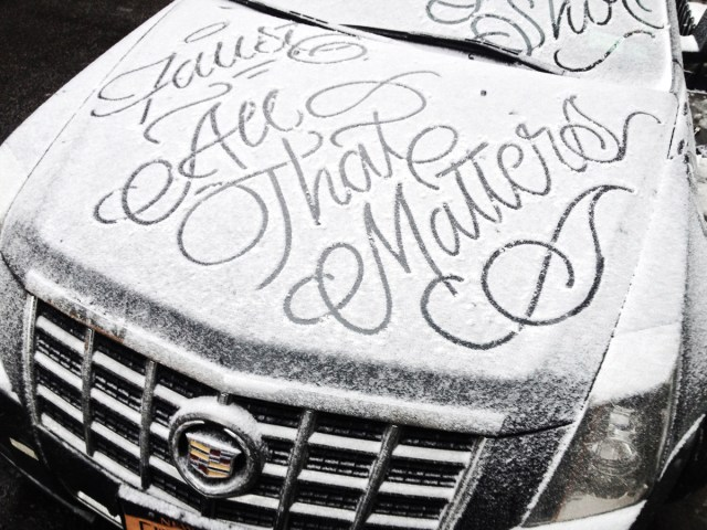 Calligraphic graffiti writer Faust has responded to all the snow in the US Northeast with his distinctive text stylings. (via Laughing Squid)