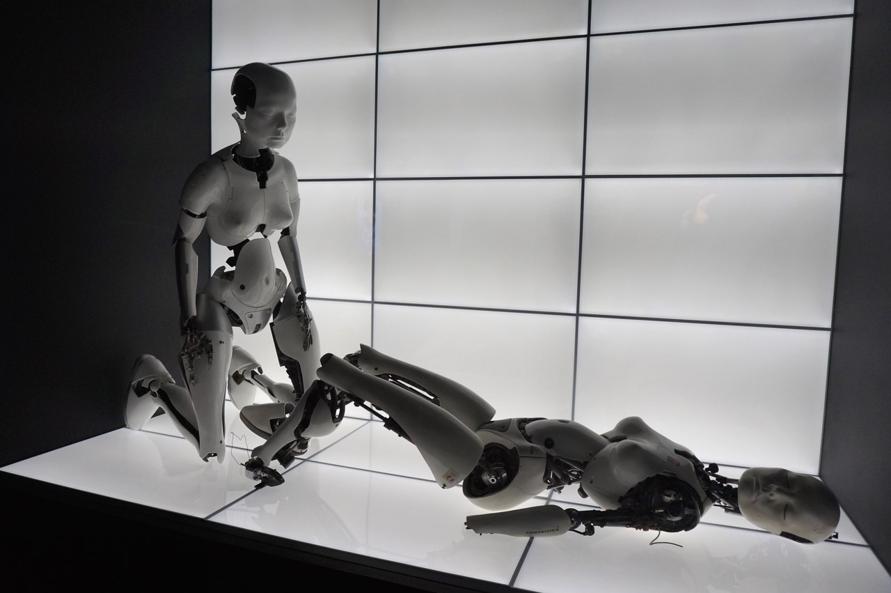 "Chris Cunningham, ""All Is Full of Love"" Robots (1999) (photo by Jillian Steinhauer/Hyperallergic)"