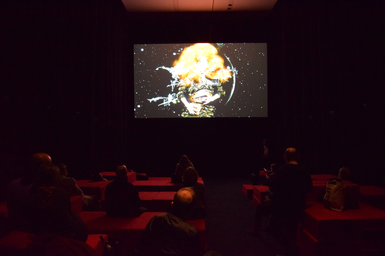 The music video room (photo by Benjamin Sutton/Hyperallergic)