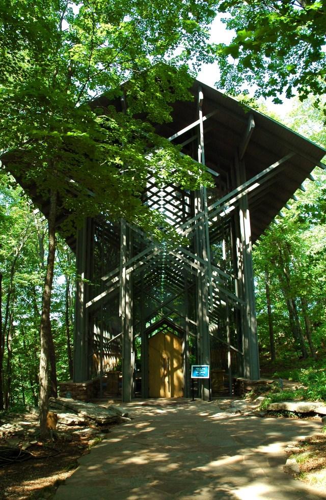 Jones's Thorncrown Chapel in Eureka Springs (Image via Wikimedia)