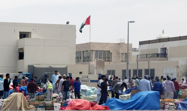 A view of one of the many illegal markets set up by migrant workers in the Abu Dhabi worker camps (photo by the author for Hyperallergic)