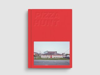 Cover of 'Pizza Hunt' by Ho Hai Tran and Chloe Cahill (click to enlarge)