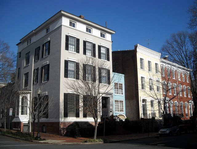 "A ""spite house"" that's 11 feet wide, built in 1926, in Georgetown, Washington, DC (photo by AgnosticPreachersKid/Wikimedia)"