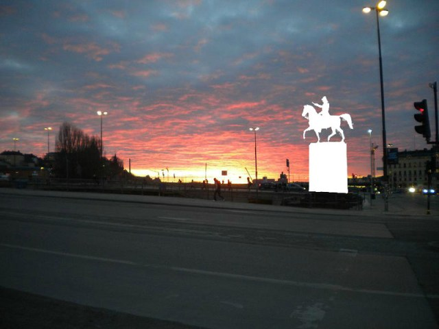 Sunset_over_Lake_Malar_with_1854_statue_of_Carl_XIV_John_of_Sweden_removed