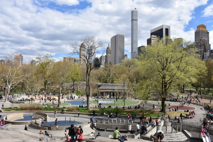 The Heckscher Playground designed by Richard Dattner in 1969 and 1972, and later renovated by the Central Park Conservancy in 2005 (photo by MusikAnimal/Wikimedia)