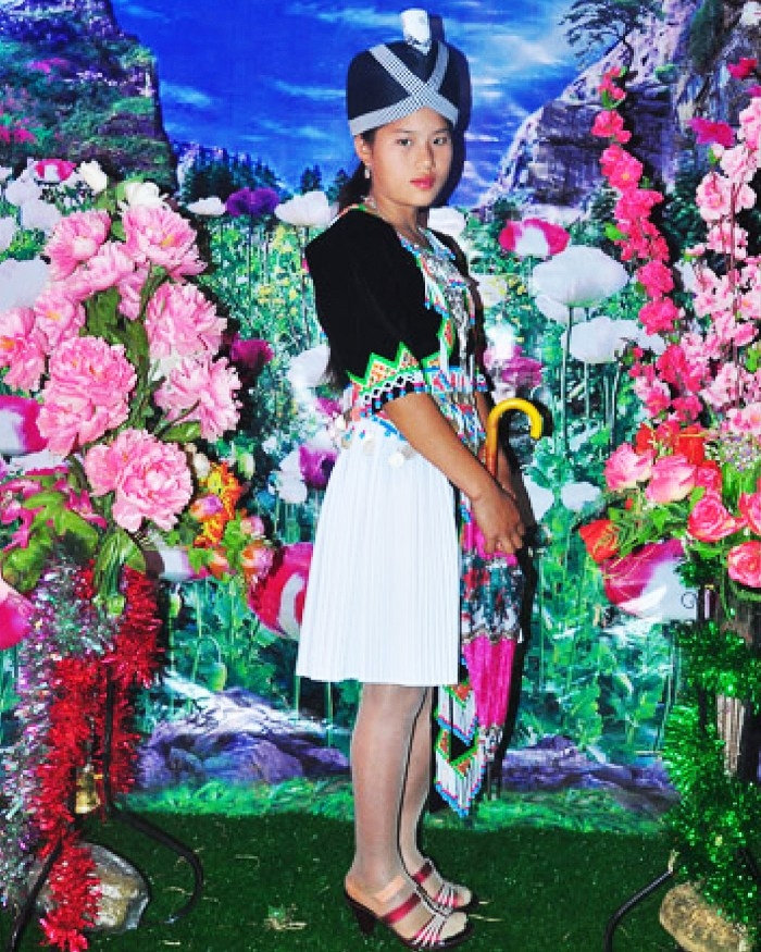 The Flower-Filled Photos of Hmong Women on Dating Sites
