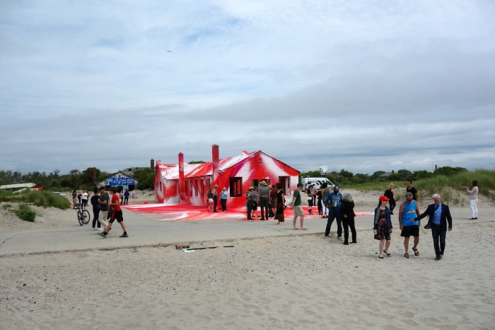 "Installation view of Katharina Grosse's ""Rockaway!"" at Fort Tilden"