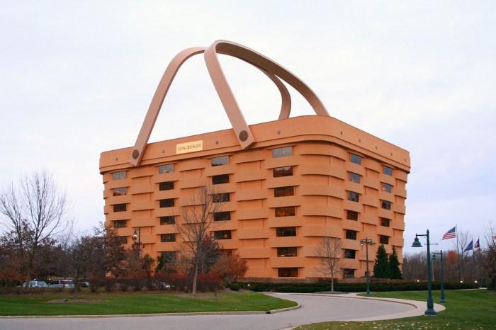 The Longaberger Company headquarters in Newark, Ohio (photo by Derek Jensen/Wikimedia)