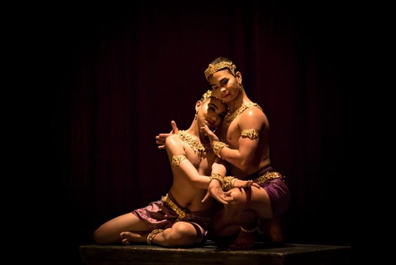 Photograph of performance by Natyarasa for Art History Forum. Photograph by Nobuyuki Arai.