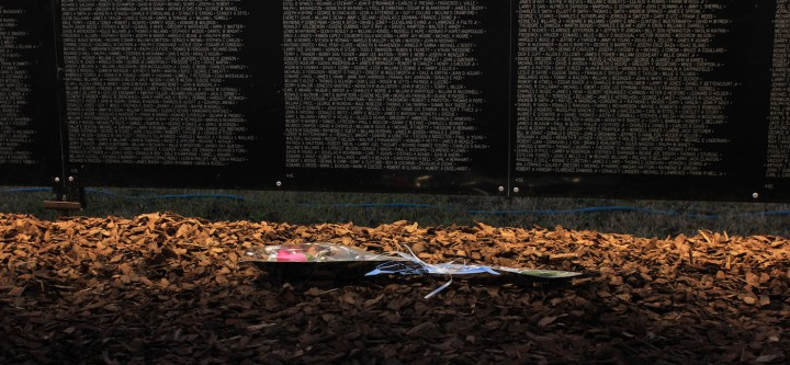 The Vietnam Veterans Memorial in Washington, DC (photo by My Photo Journeys/Flickr)