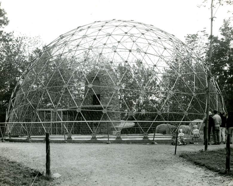 Polar bear enclosure, Granby Zoo (1963) (Paul-O. Trépanier and Victor Prus, photo by Jean-Paul Matton, Société d'Histoire de la Haute-Yamaska)