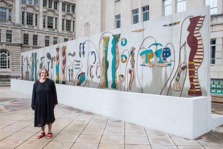 Betty Woodman in front of her public installation for the 2016 Liverpool Biennial (photo courtesy Salon 94, New York)