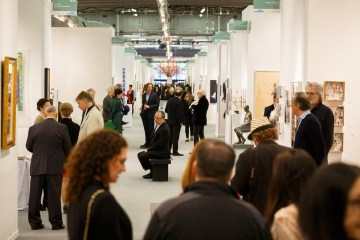 Crowds at Art New York 2017 (photo courtesy Art New York)
