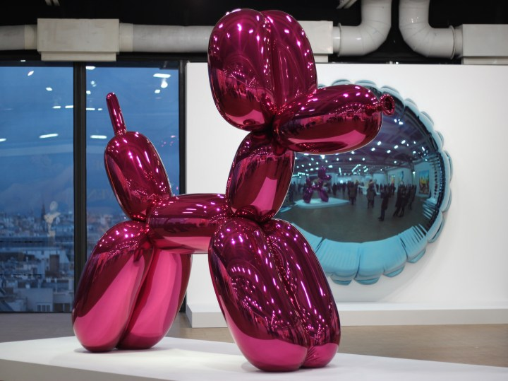 Installation view of Jeff Koons's retrospective at the Centre Pompidou (photo by Dious, via Flickr)