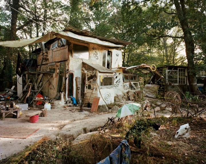 A ZAD cabin known as the Black Box, which was destroyed last month (photo by Immo Klink)