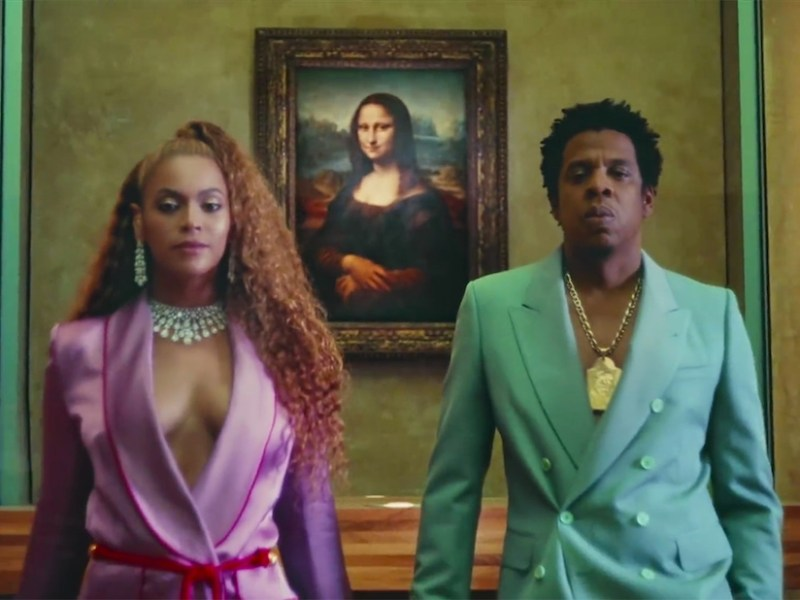 "Beyoncé and Jay-Z in front of Leonardo da Vinci's Mona Lisa in the video for ""Apeshit"" (all screenshots by the author via YouTube)"