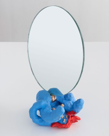 """Katie Stout, """"Girl Mirror"""" (2017), unique """"Girl Mirror"""" in painted ceramic, 12 x 7 x 14 inches (image courtesy R & Company, photo by Joe Kramm/R & Company)"""